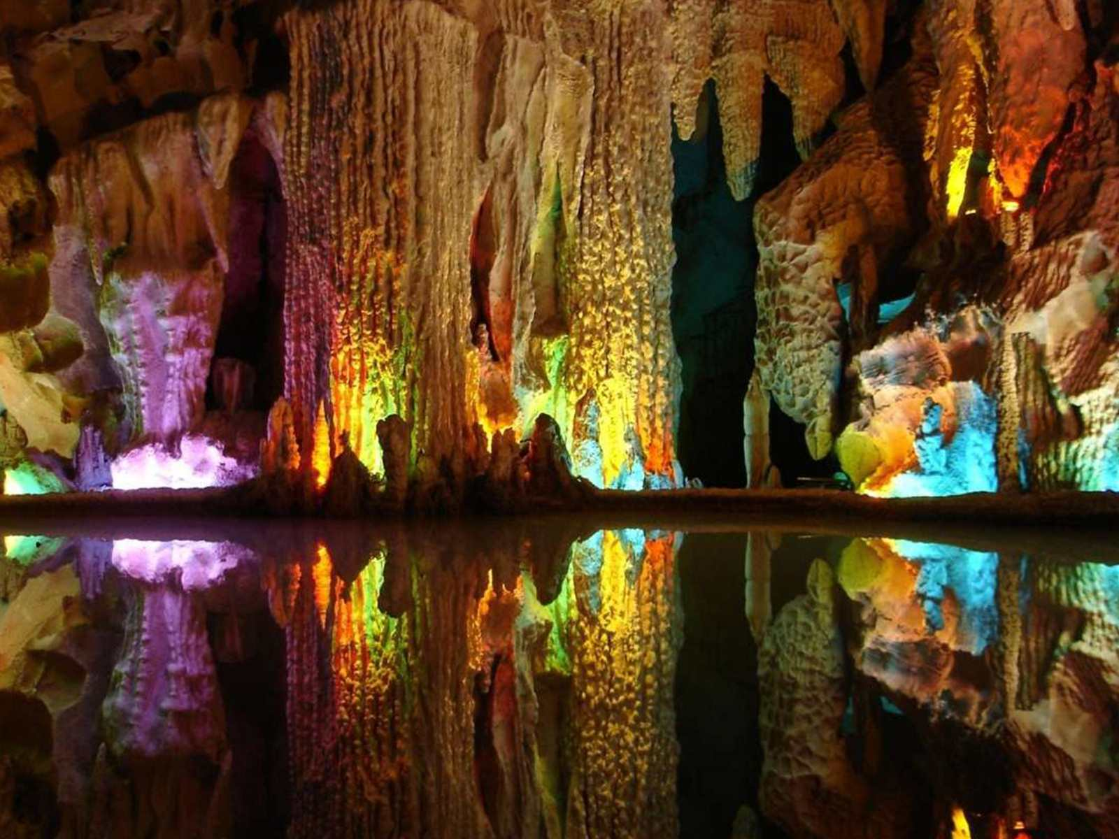 Alisadr Cave is located 75 kilometers northwest of Hamadan in the Zagros Mountains