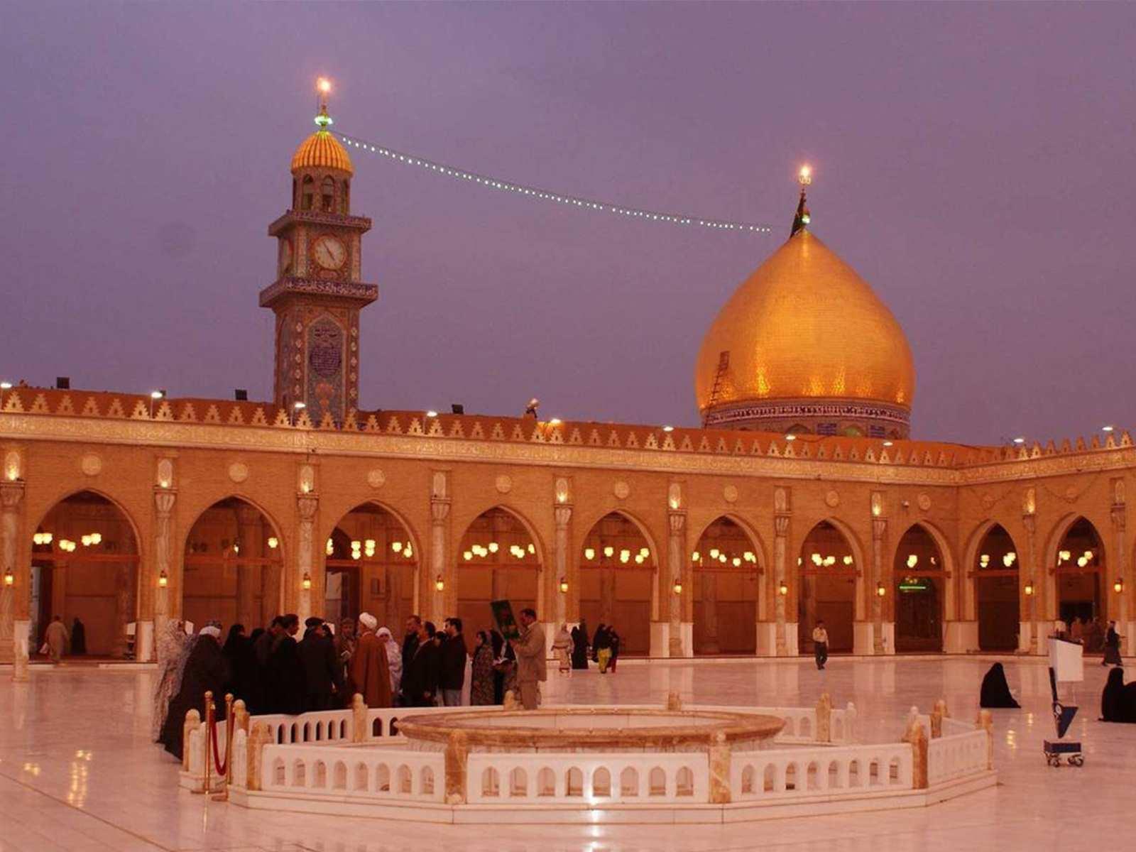 مسجد کوفه واقع در شهر کوفه