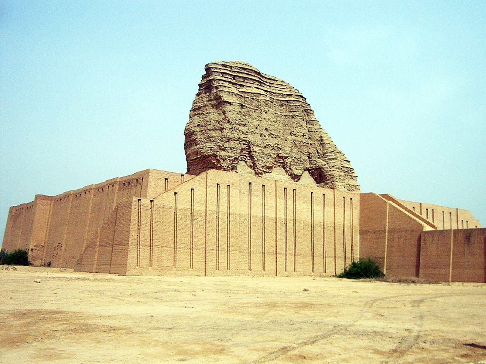 مقبره زیگورات واقع در شهر باستانی اور