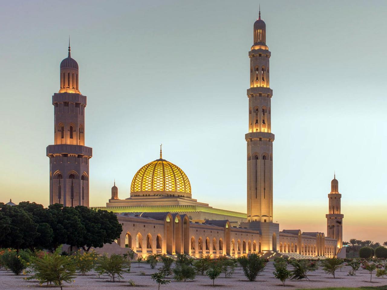 مسجد جامع سلطان قابوس واقع در شهر مسقط